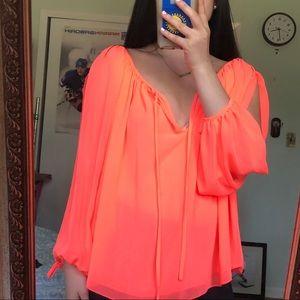 LIKE NEW BCBG MAXAZRIA XS long open sleeve blouse